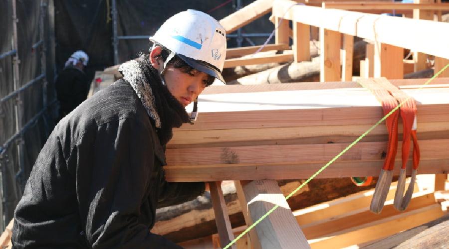 「伝統の技」木組み工法とは